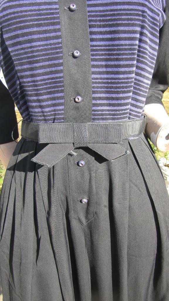 1940s MINX MODES BLACK GABARDINE DRESS W PURPLE C… - image 3