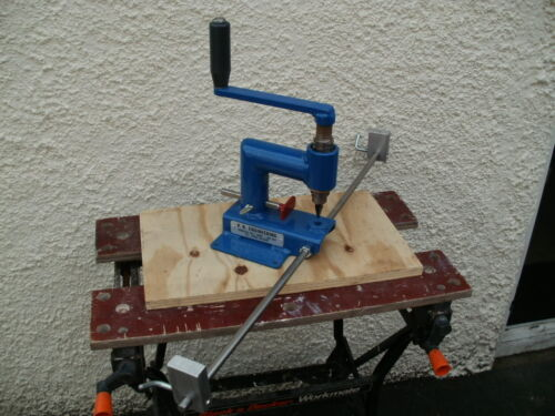 ROOFING SLATE HOLER//TOOL//DRILL//PUNCH