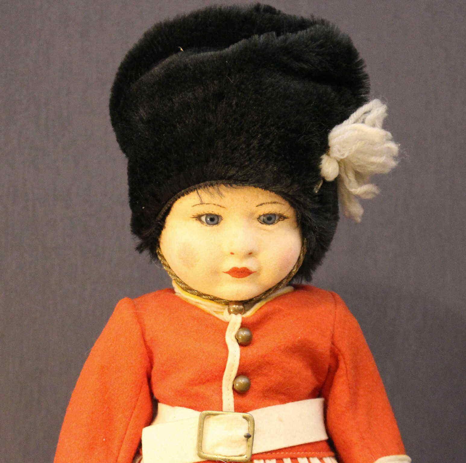 Muñeca de Tela de Chad Valley-Soldado Guardia Inglés-todo Original