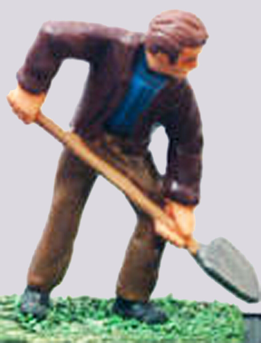 PAINTED WORKMAN WITH SHOVEL On3 On30 O Scale Pewter Figure MB004P