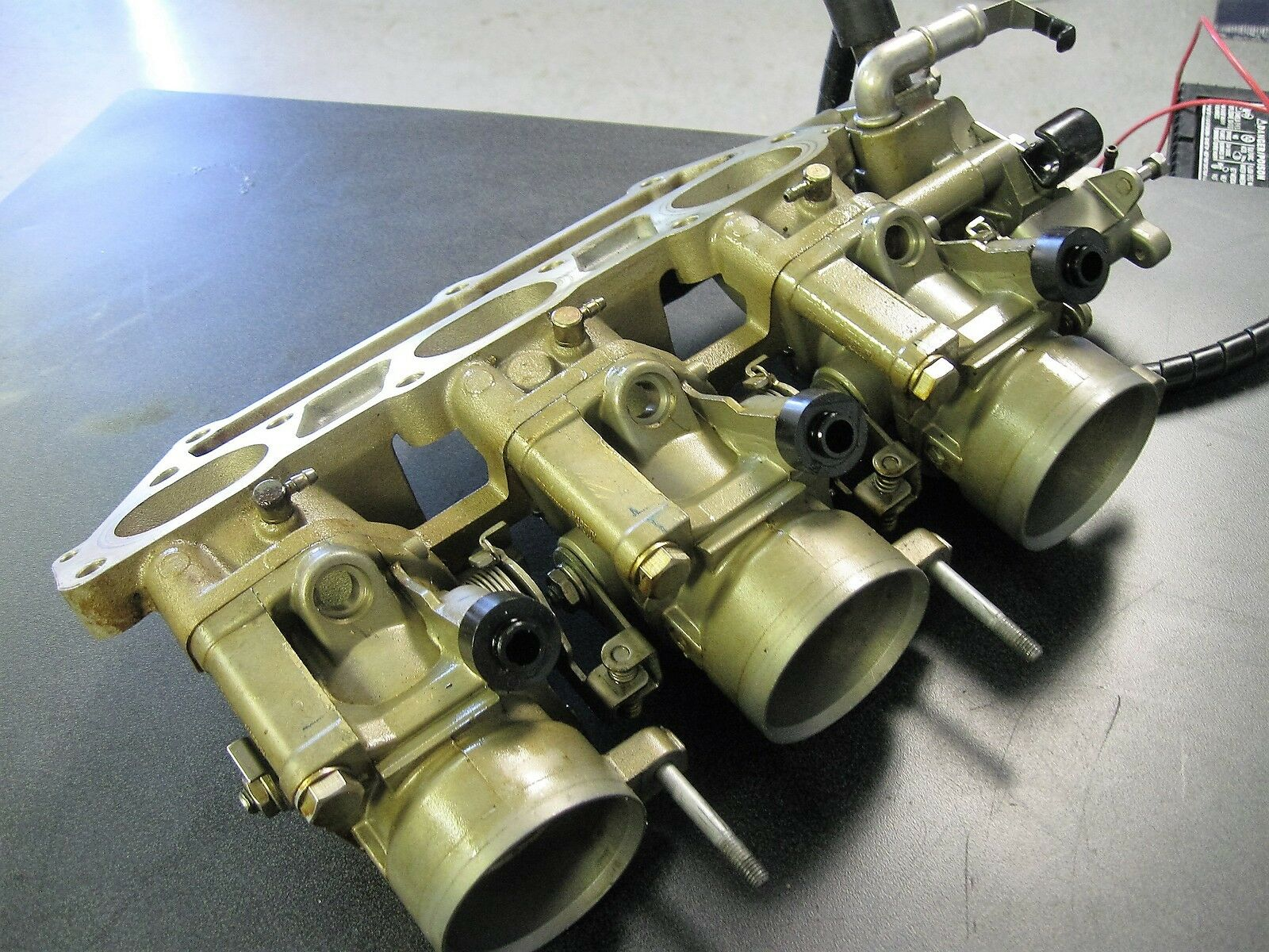 Yamaha 69J-1375A-11-00 Außenborder F225 Drosselklappengehäuse Montage 69J-1375A-11-00 Yamaha badbda