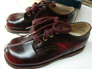 vintage kids oxfords 1960s Right Step lace up shoes new old stock 2M