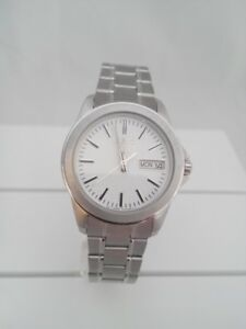 Seiko watch, quartz movement, white dial SJW061