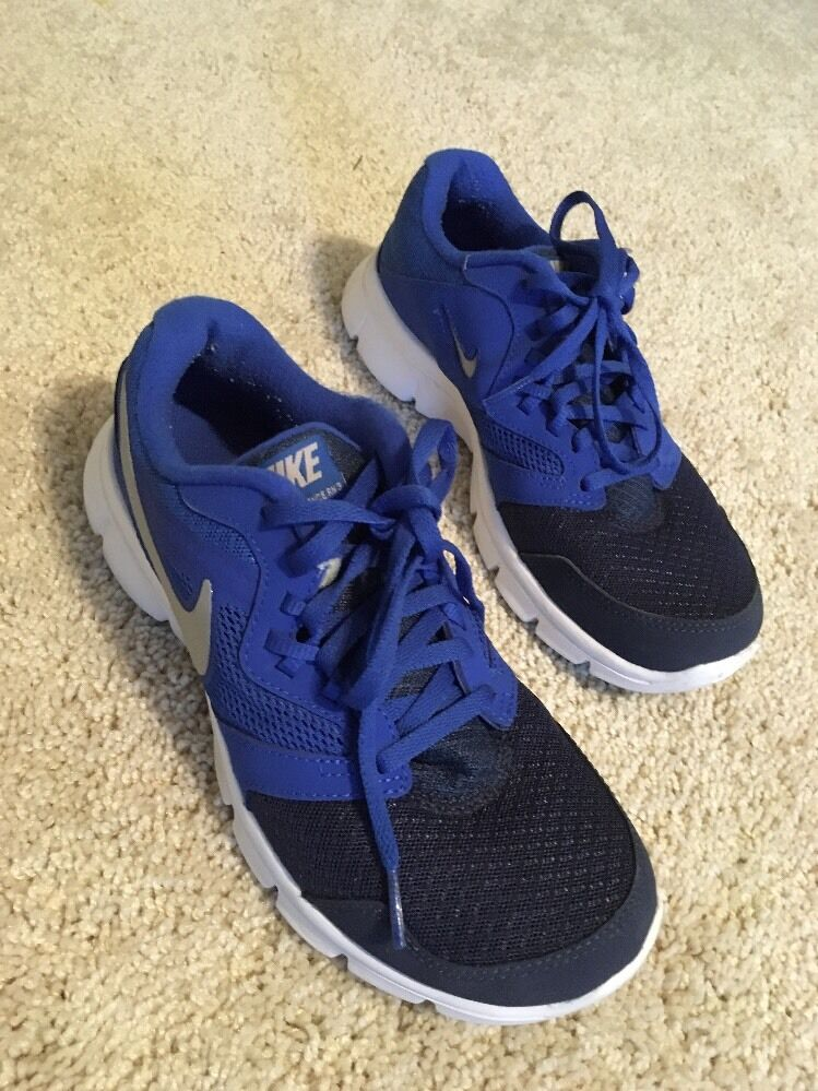 Nike Flex Experience RN 3 Youth size 5 Blue/white Running Shoes