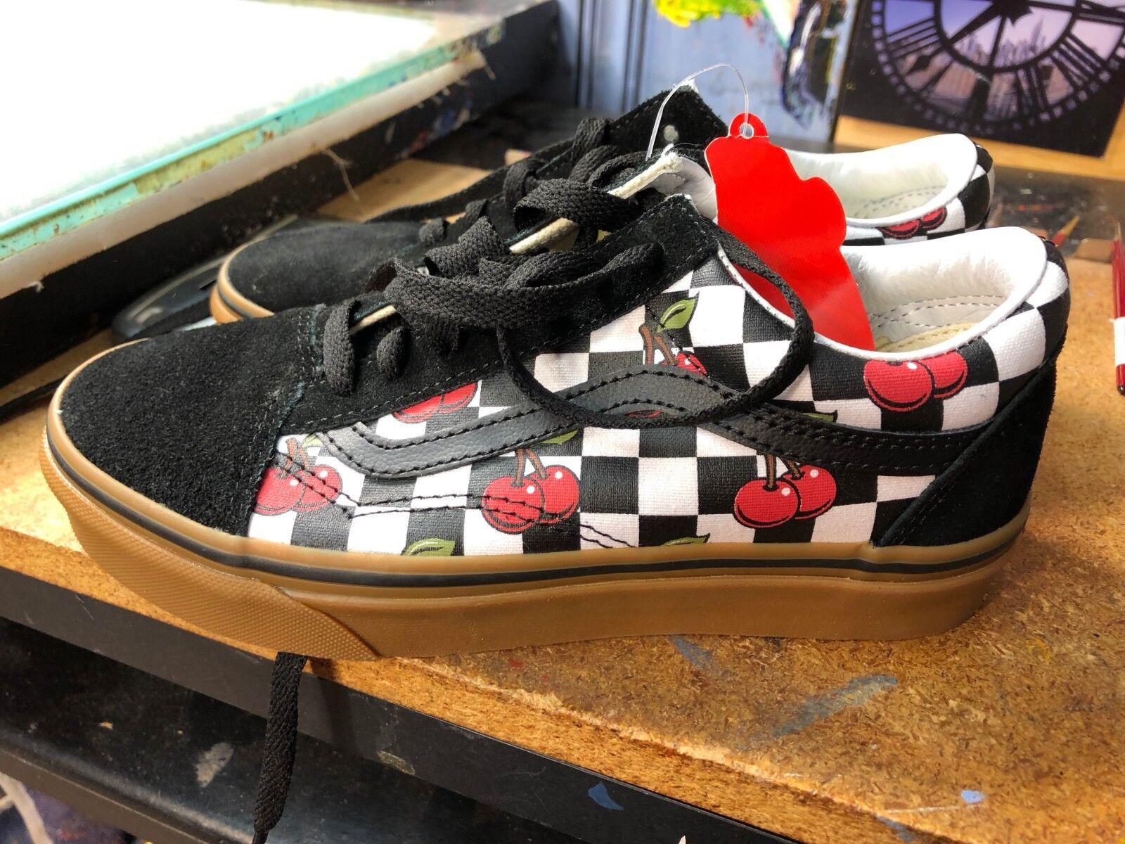 Vans Old Skool (Cherry Checker) Black Gum US Men 3.5 (5 Women) VN0A38G1QTL