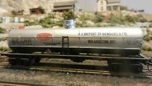 Athearn-BB-HO-Athearn-DuPont-Chemical-Tank-Car-Upgraded-GD