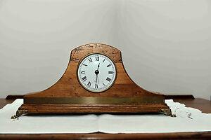 Orologio da tavolo in legno artigianale numeri romani classico