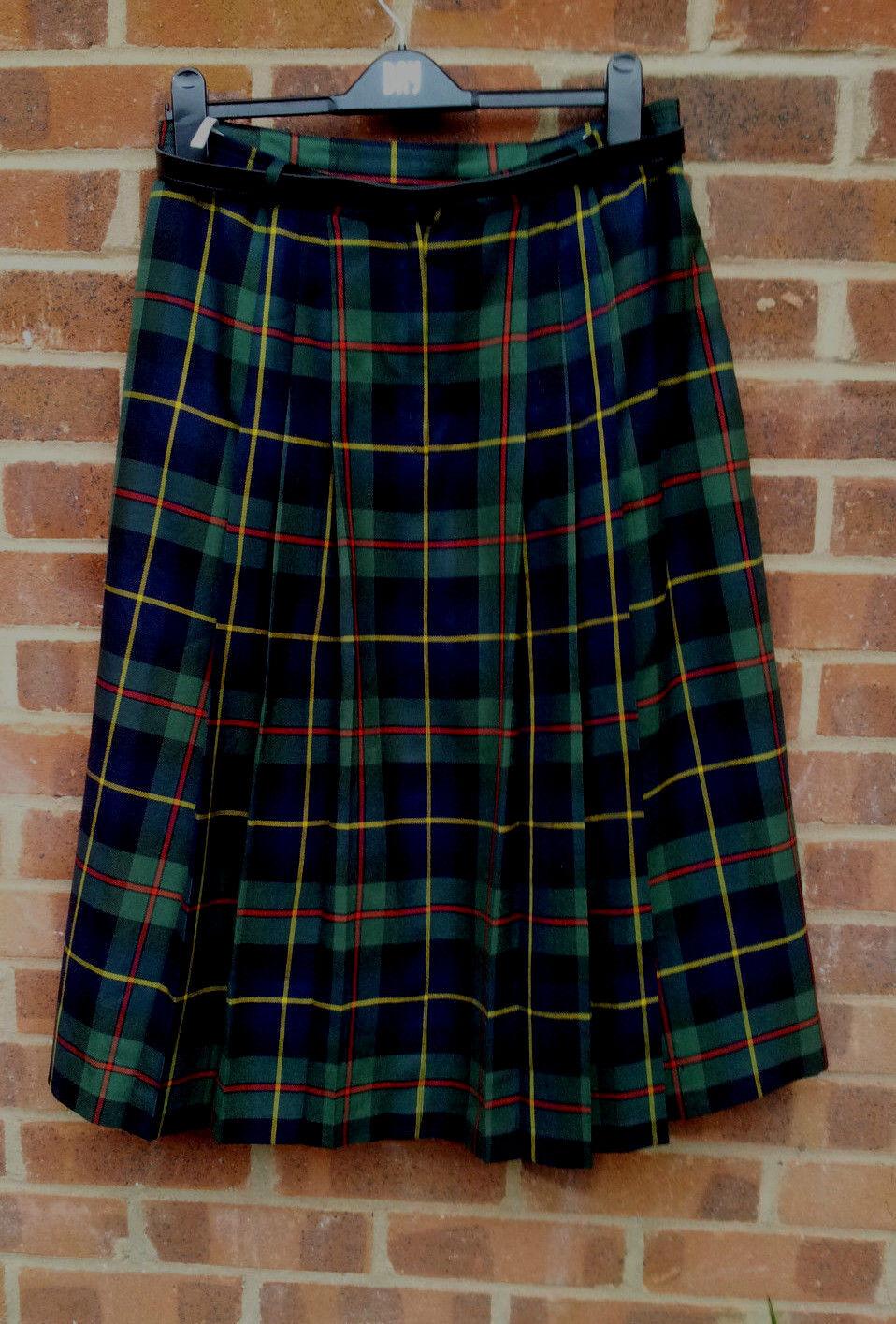 Vintage whitehe Wool Blend Tartan skirt UK size 16