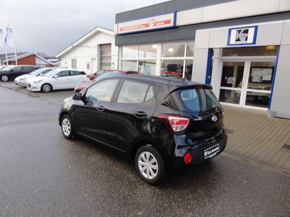 Hyundai i10 1,0 Go Clim Benzin modelår 2017 km 40000 Sort