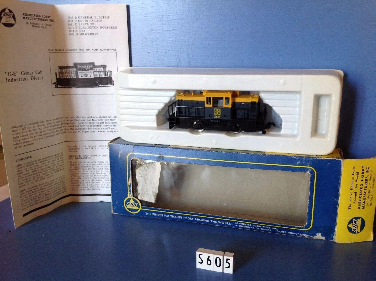 S605  locomotive AHM 2615 en boite, compatible Jouef, ech : Ho