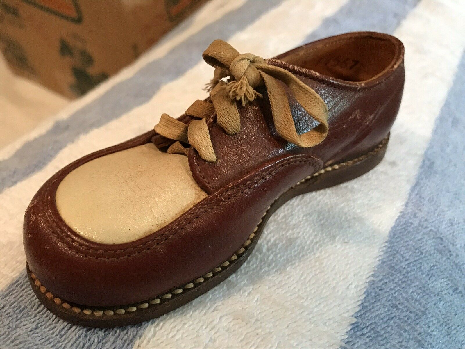 1960s Child Two Tone Dress shoes! - image 4