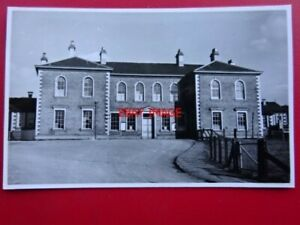 PHOTO-LLANIDLOES-RAILWAY-STATION-1939-EXTERIOR