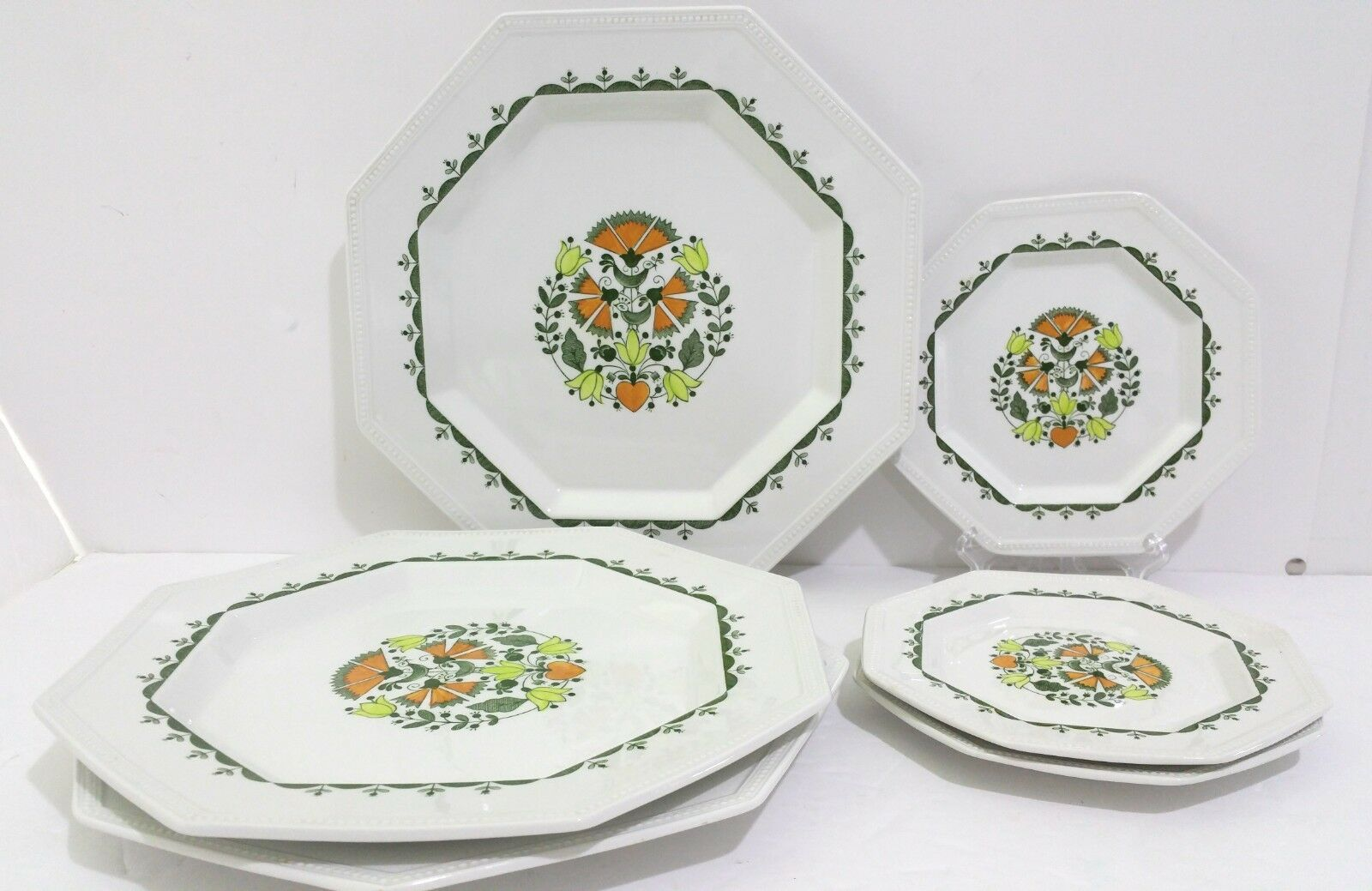 Johnson Bredhers Greenfield Set of 3 Dinner Plates & 3 Bread Butter Plates