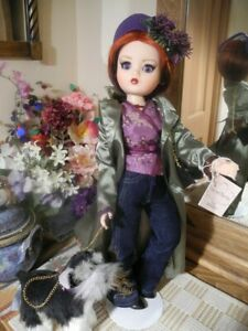 LE-81-200-Cissy-and-City-Madame-Alexander-2004-Jeans-Trench-Coat-Boots-Dog-Leash