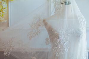 Stickereien-Perlen-Braut-Abendkleid-Spitze-Stoff-Elfenbein-Hochzeit-Kleid-Tuell