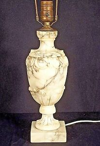 VINTAGE-EARLY-20th-CENTURY-ITALIAN-CARVED-MARBLE-LAMP
