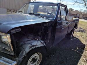 1981 Ford pick up RUNS!!