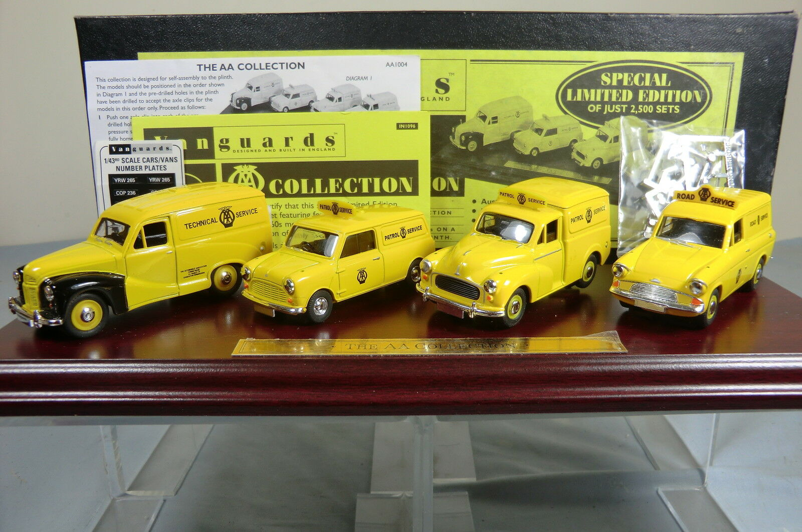 LLEDO VANGUARDS GIFT SET No.AA1004. 4 VEHICLE & 039;A.A.& 039; COLLECTION AND PLINTH   MIB