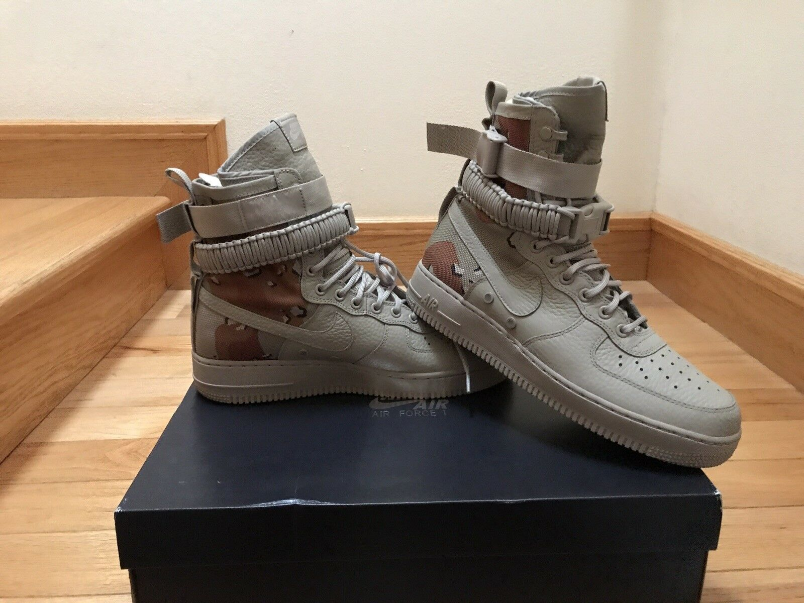 Nike SF AF1 Air Force 1 Special Field Desert Camo QS 864024-202 Size 9.5 men