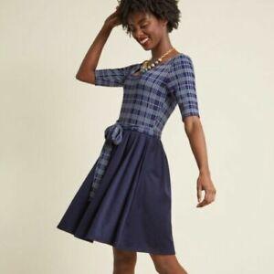 Fervor-ModCloth-una-linea-vestido-en-el-muy-cerca-lanzando-Azul-M-Plaid-azul