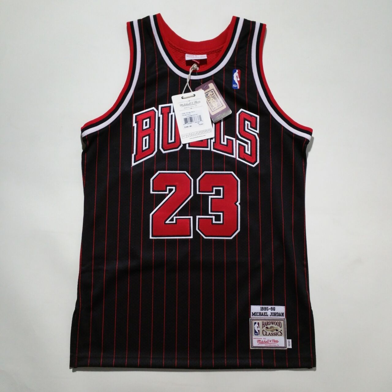 100% Authentisch Michael Jordan Jordan Jordan Mitchell & Ness Nadelstreifen 95 96 Bulls Trikot c69831