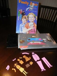 Vintage 1970 FAMILY AFFAIR COLORFORMS PLAYSET w/ Box BUFFY JODY MR FRENCH & More
