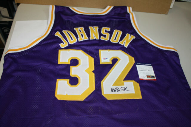 LOS ANGELES LAKERS MAGIC JOHNSON #32 SIGNED CUSTOM PURPLE JERSEY PSA/DNA!