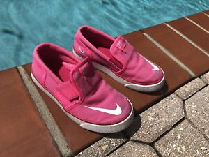 Nike Toki slip on canvas hot pink 10c