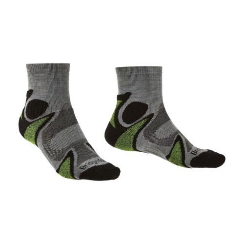 Bridgedale Mens Trail Sport Lightweight T2 3//4 Crew Sock Black//Green