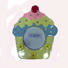 Picture frame metal lacquered a cupcake with glitter from support