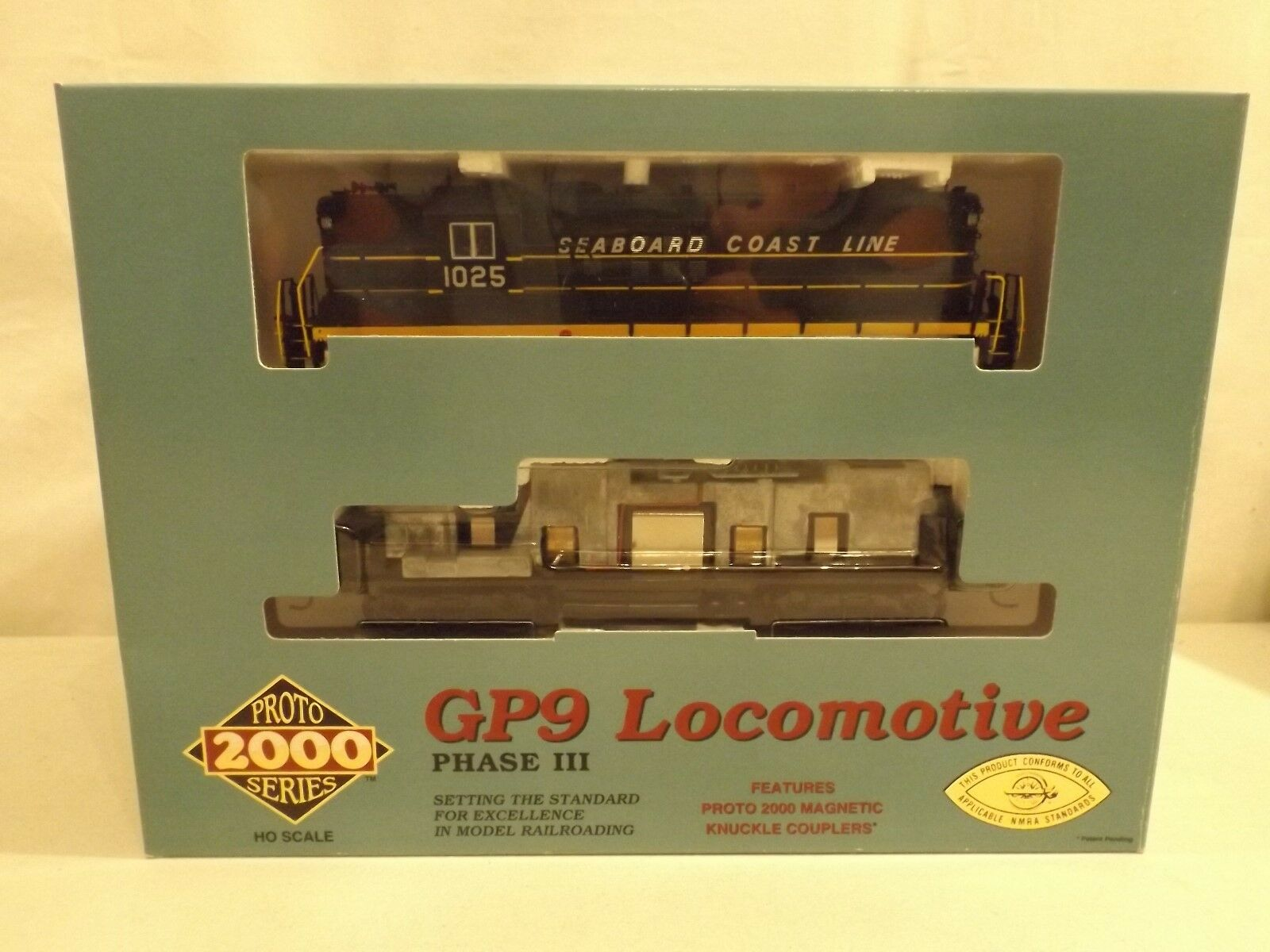 HO Proto 2000 Seaboard Coast Line GP9 diesel engine  1025  in original box