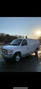 2014 ford E250 cargo van LOW KM