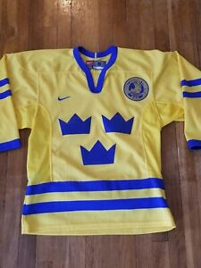 Tienda online Venta caliente 2019 diseño atemporal Nike Sweden Svenska Olympic Hockey Jersey Men Small NHL ...