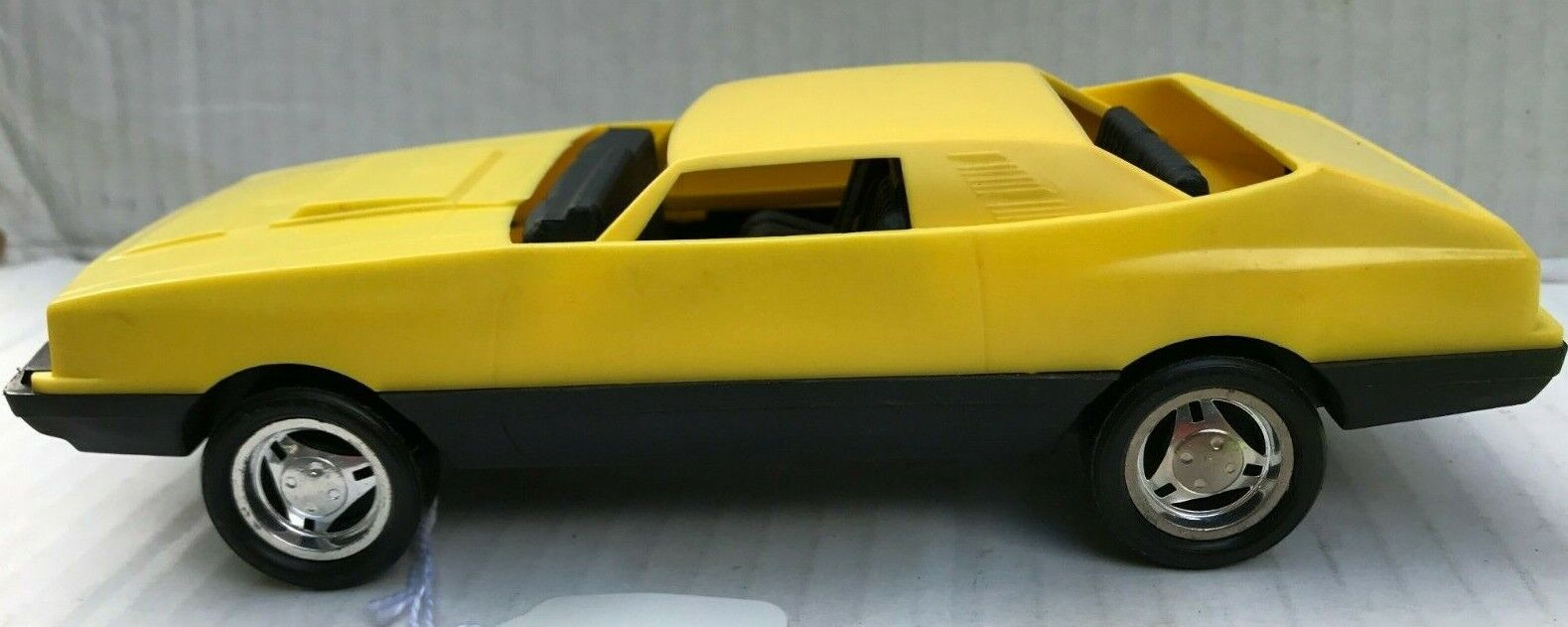Very Rare 1979 Nylint Plastic Yellow Mustang with Collapsing Roof Hong Kong