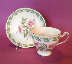 Roslyn-Pedestal-Tea-Cup-And-Saucer-Memphis-Pattern-Pink-And-Green-England