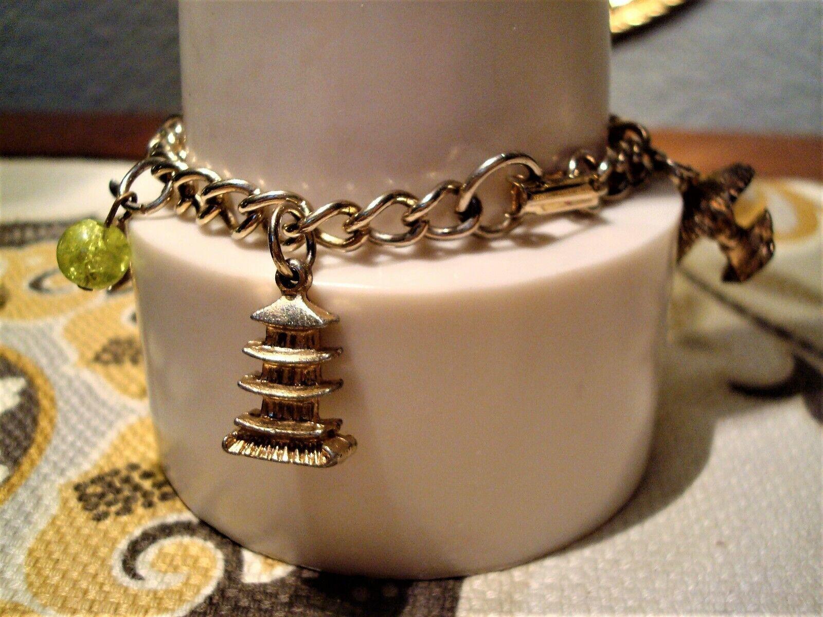 oriental bracelet articulated in vintage silver metal