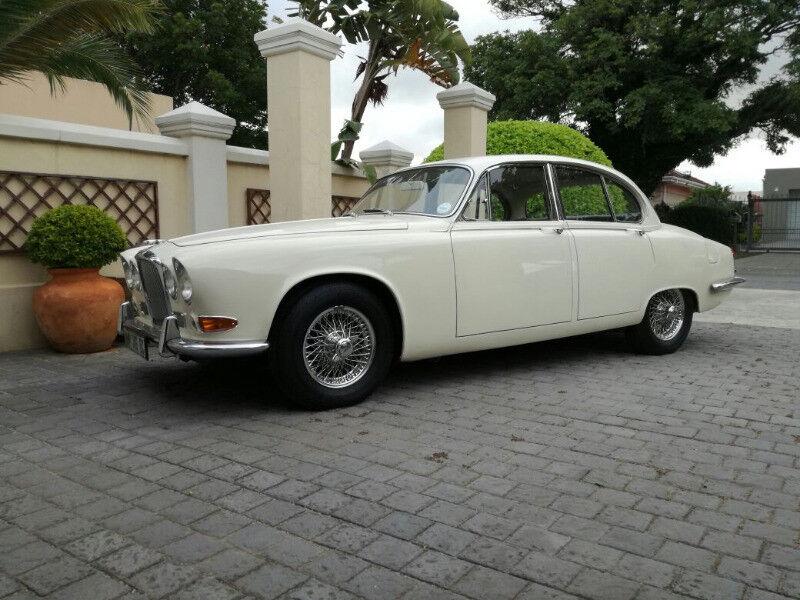Classic Jaguars for Weddings and Matric Farewells