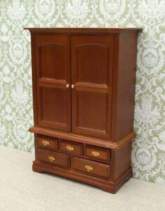 1:12 Dolls House Large Blanket Cupboard - Oak