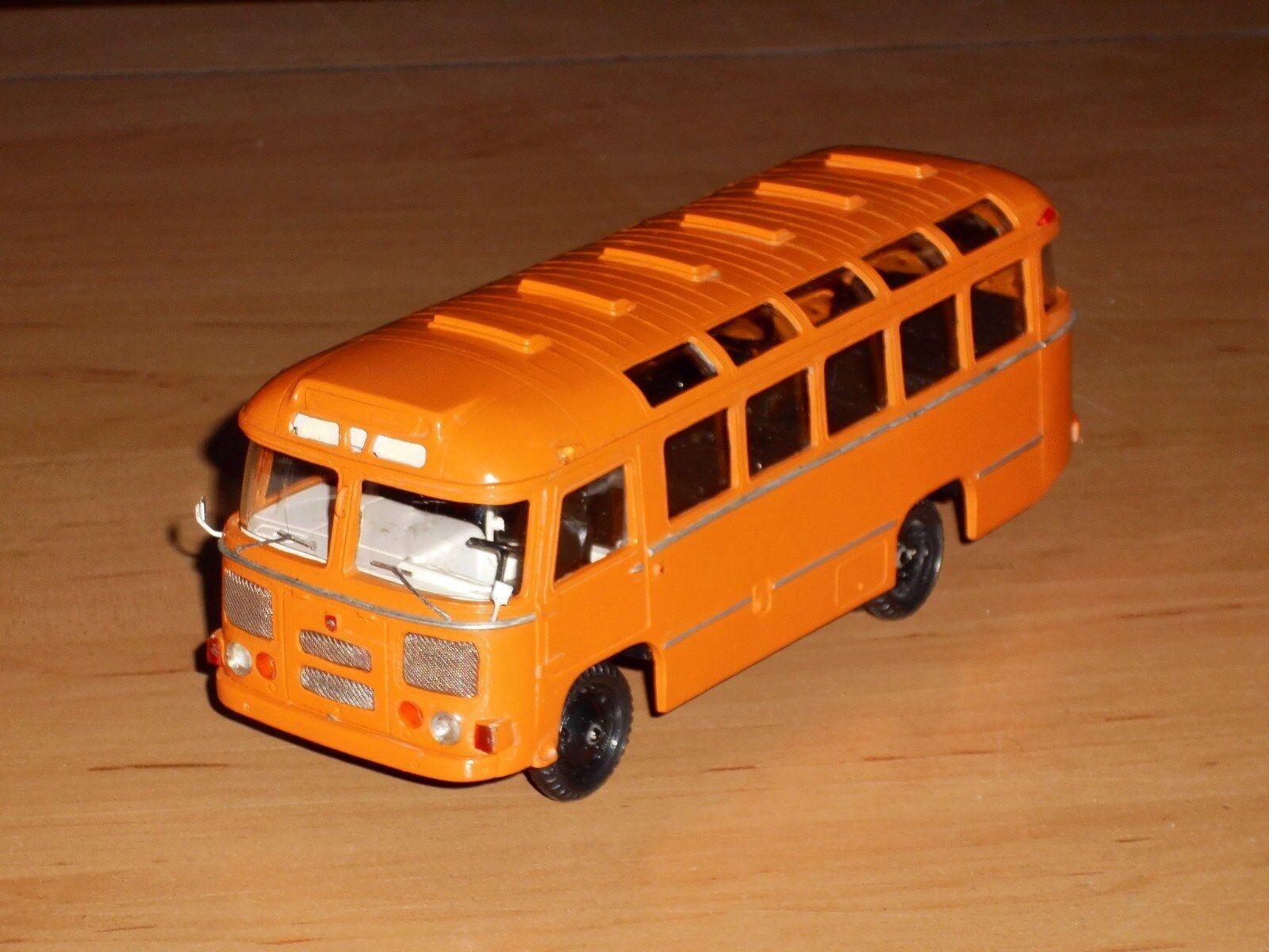 Bus paz-672m, finoko, russe à la main modèle 1,43