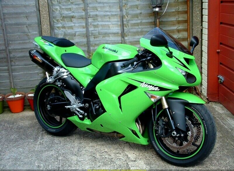 KAWASAKI ZX10R STRIPPING FOR SPARES 2006