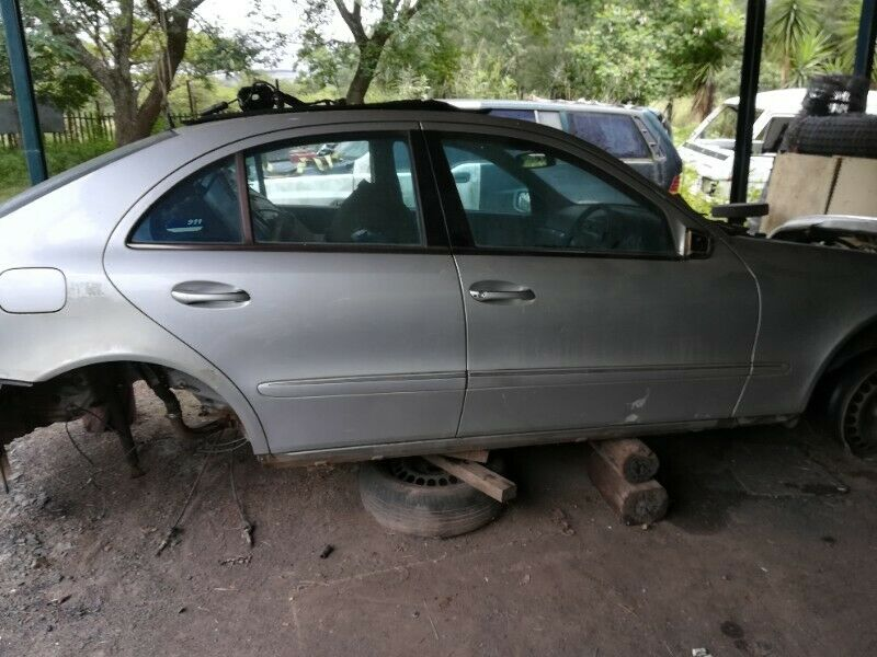 Mercedes w211 e240 stripping for spares