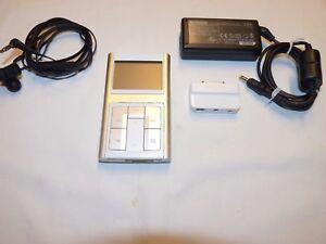 creative zen sleek aluminum white 20 gb digital media player rh ebay com Creative Zen Touch Operation Zen Com