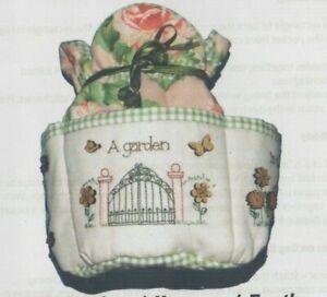 Garden-Heaven-Earth-pre-printed-stitchery-amp-bag-PATTERN-Ella-amp-Skysie