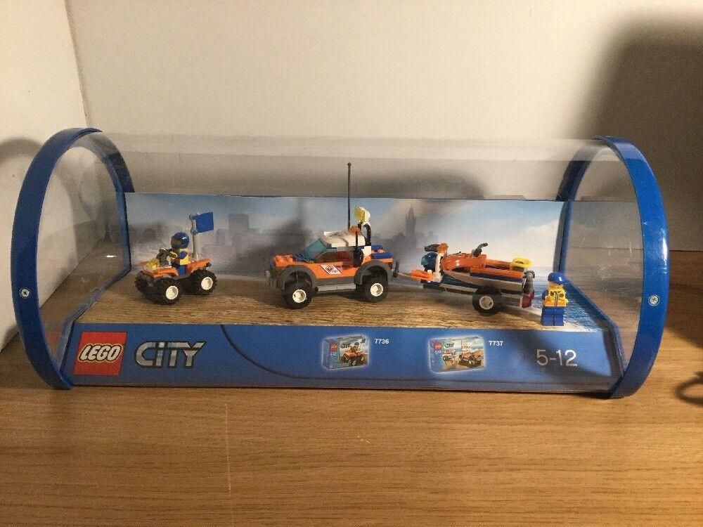 Lego City 7737 & 7736 Shop Display Cased