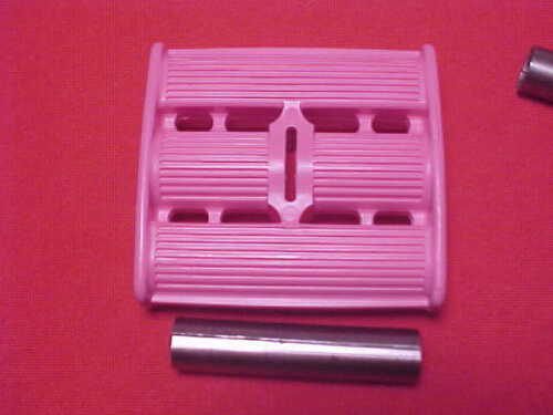 "Vintage Pink 3//8/"" ID Tricycle Pedals Elgin Colson Murray Ross Huffy Amf nos"