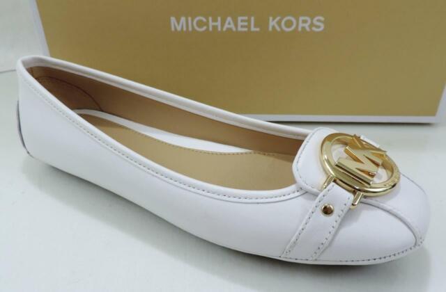 Michael Kors Size 6 MK Logo Leather