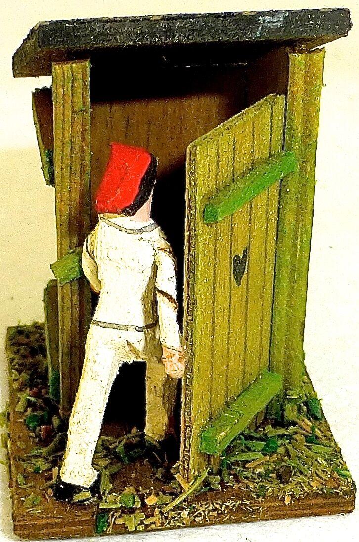 Plumpsklo ländliches Toilettenhaus Figur mit roter Mütze Holz Preiser 1 87 H0  å