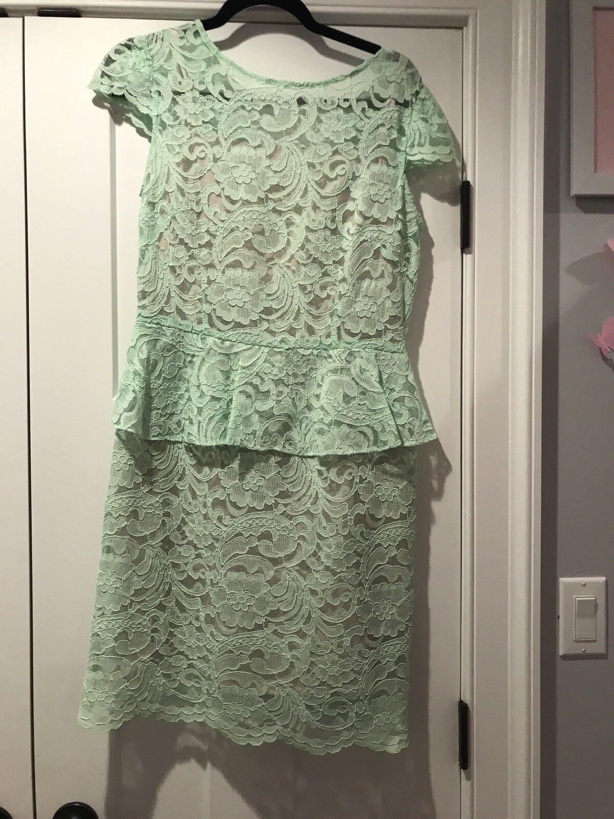Tahari dress  Mint Green Lace Dress size 4