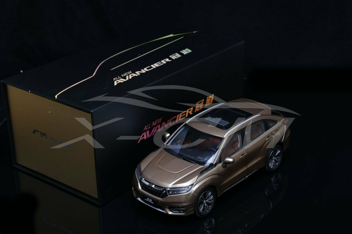 Pressofusione CAR MODEL HONDA tutti i nuovi avancier 1:18  Oro  + REGALO