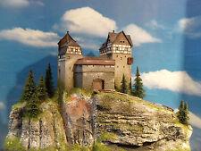 Diorama Burg  H0  Modell Burg Hammelberg Top patiniert und gealtert